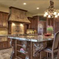 вариант яркого интерьера кухни в классическом стиле картинка