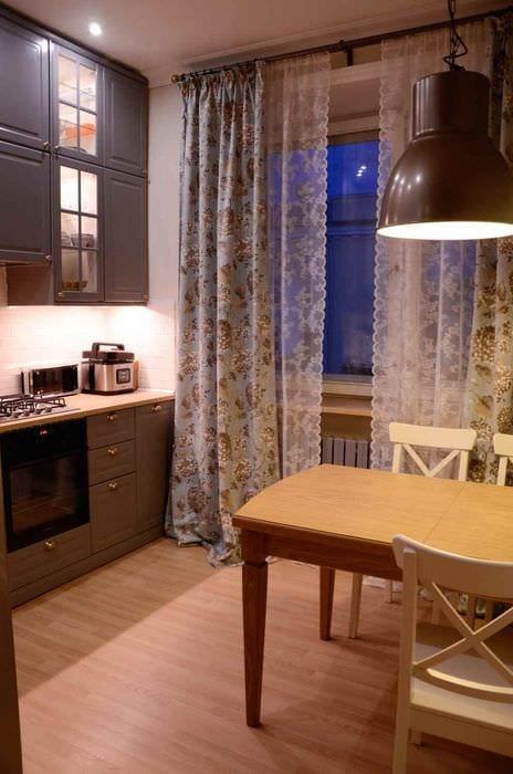 пример светлого стиля кухни 10 кв.м. серии п 44
