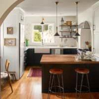 пример яркого дизайна кухни 11 кв.м картинка
