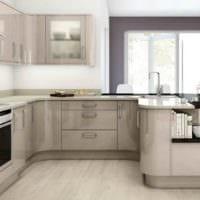 пример яркого стиля кухни 12 кв.м фото