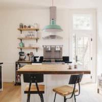 вариант яркого стиля кухни 13 кв.м фото