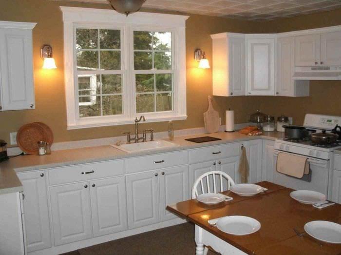 идея красивого интерьера кухни в классическом стиле