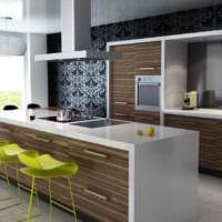вариант яркого интерьера кухни в загородном доме фото