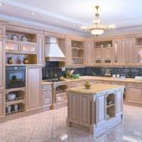 пример светлого стиля кухни в классическом стиле фото
