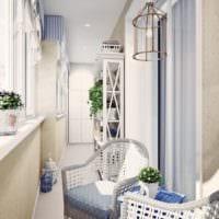 дизайн маленького балкона в светлых тонах