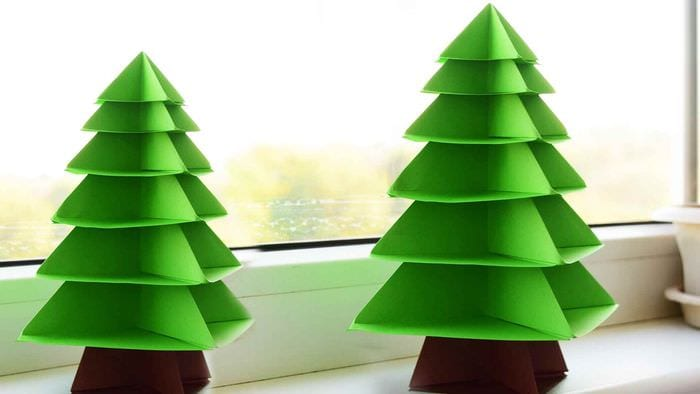 идея создания яркой елки из картона своими руками
