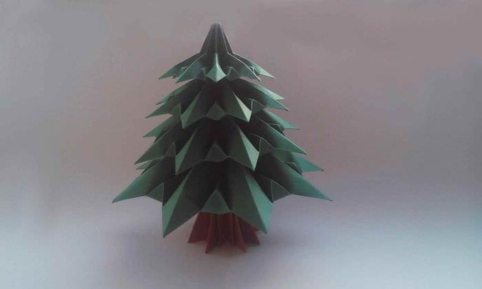 идея создания яркой елки из бумаги своими руками