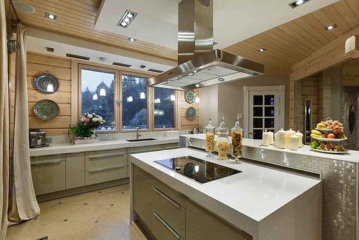 вариант необычного интерьера кухни в загородном доме