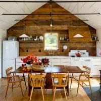 вариант необычного интерьера кухни в деревенском стиле картинка
