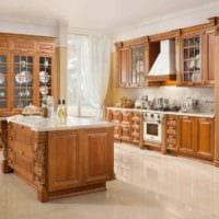 пример светлого дизайна кухни в классическом стиле фото