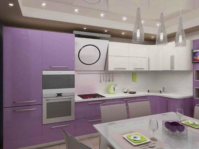 пример яркого дизайна кухни 11 кв.м