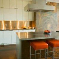 идея яркого стиля кухни 12 кв.м картинка