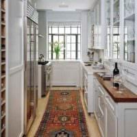 вариант яркого дизайна кухни в загородном доме фото