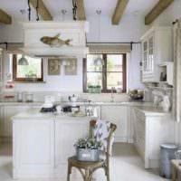 вариант светлого декора кухни в деревенском стиле картинка