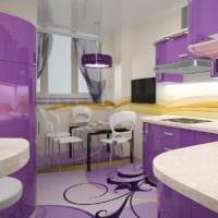 дизайн сиреневой кухни с окном