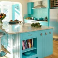 дизайн кухни с окном бирюзовый интерьер