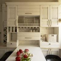 дизайн кухни с окном и складным столом
