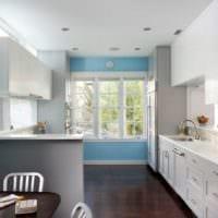 дизайн кухни с окном варианты отделки