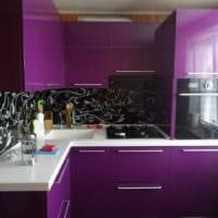 черно фиолетовый дизайн кухни