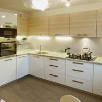дизайн кухонного гарнитура светлого цвета