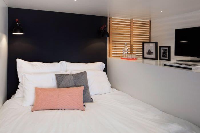 кровать чердак в квартире студии 33 м2