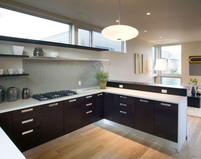 дизайн интерьера кухни без верхних шкафов