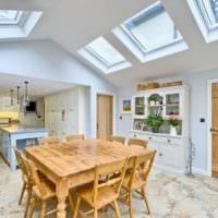 кухня в стиле кантри в светлых тонах