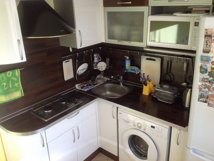 дизайн маленькой квадратной кухни