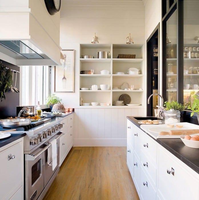 светлая кухня столовая