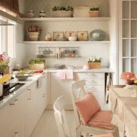 белый цвет в кухонном гарнитуре