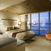дизайн потолка в спальне в эко стиле