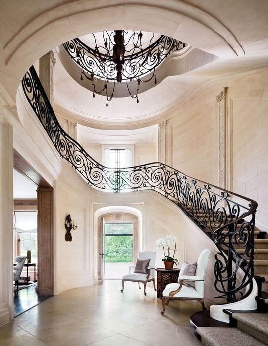 прихожая с лестницей фото