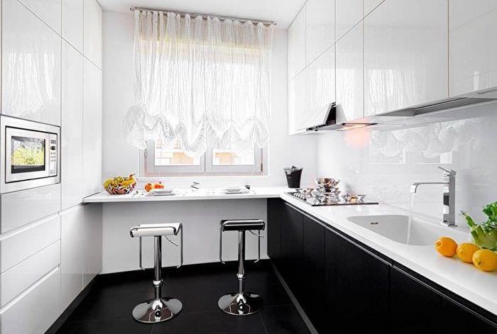 занавески на прямоугольной кухне