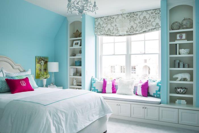 яркие цвета в спальне 16 кв м