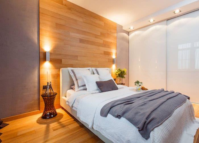 освещение в прямоугольной спальне