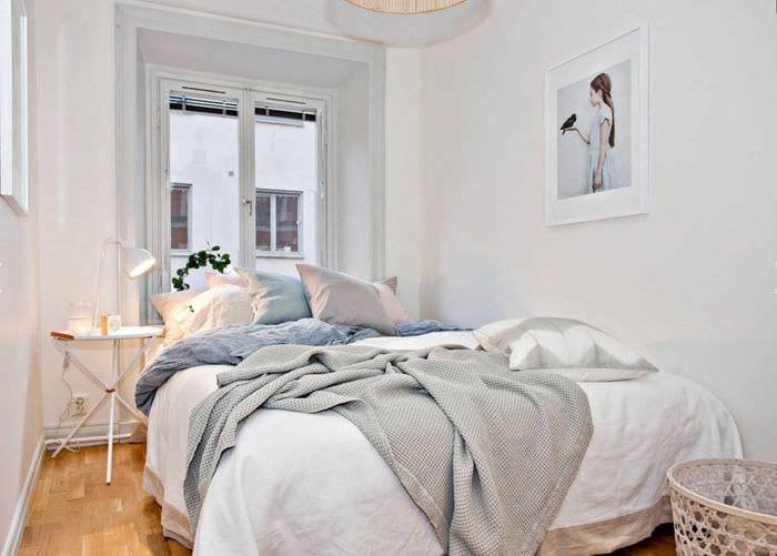 спальня 9 кв м в белом цвете