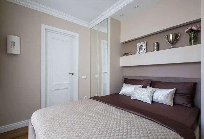 спальня в хрущевке с зеркалом