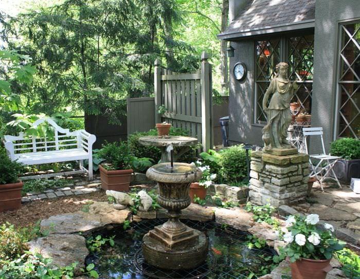 дизайн садового участка с водоёмом