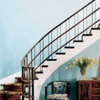 лестница в прихожей фото