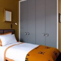 прямоугольная спальня 16 кв м кровать