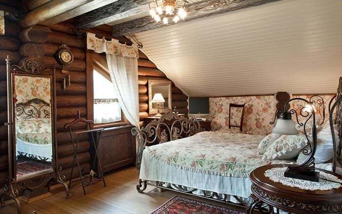 спальня в деревянном доме кантри