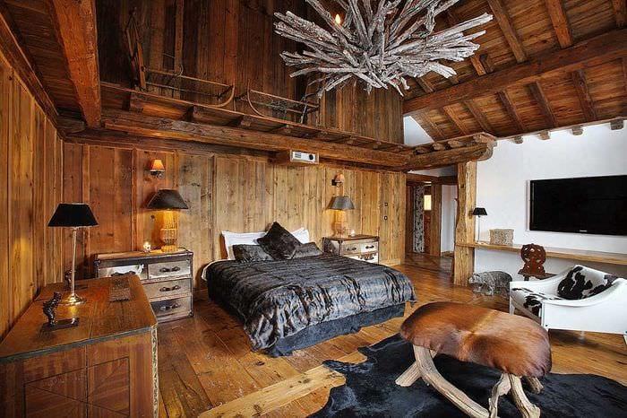 занимается актерством, дом из старого дерева в горах фото для себя
