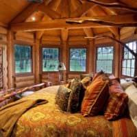 спальня в деревянном доме текстиль в декоре