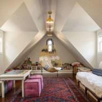 спальня на мансарде оформление фото