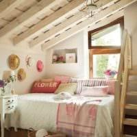 спальня на мансарде стильный дизайн