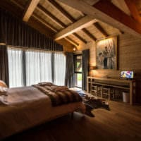 спальня в деревянном доме точечные светильники