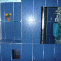 плитка для ванной яркая