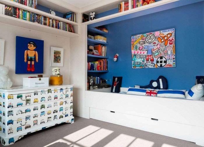 кровать с ящиками в детской
