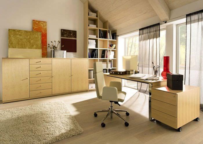 светлый дизайн кабинета