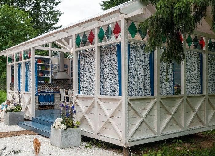 Летняя кухня в стиле прованс на садовом участке